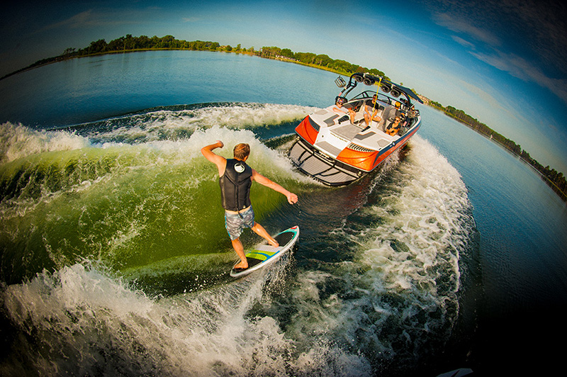 Super Air Nautique G23 Wakesurfing